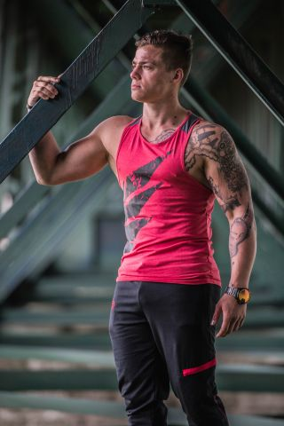 Body Legends Tank Wing Red